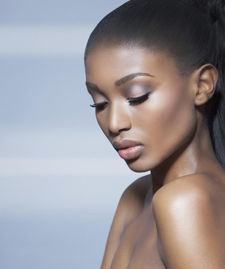 maquillage pour peau noire - rosée de la reine